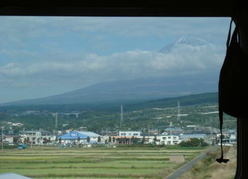 車窓から見えた富士山