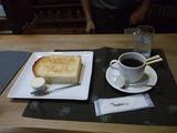 名物のパンとコーヒー。