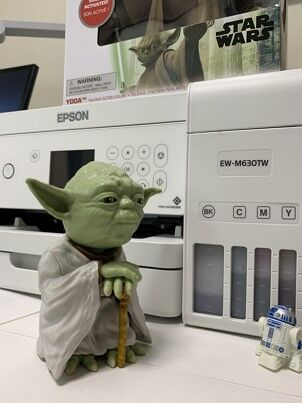 EPSON_EW_M630TW_and_Yoda_and_R2D2