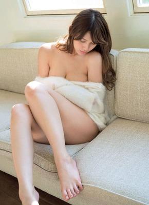アンジェラ芽衣 ヌード (53)