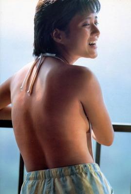 三田寛子の乳輪 (2)