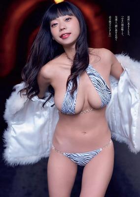 青山ひかる ヌード (44)
