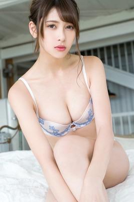 アンジェラ芽衣 ヌード (43)