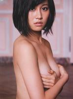 前田敦子 セミヌード画像 (1)