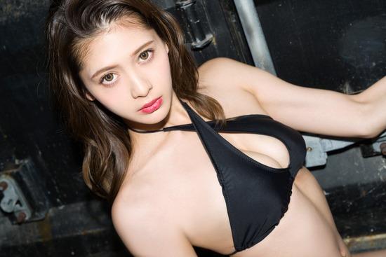 アンジェラ芽衣 ヌード (52)