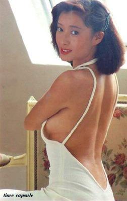 夏目雅子 (60)