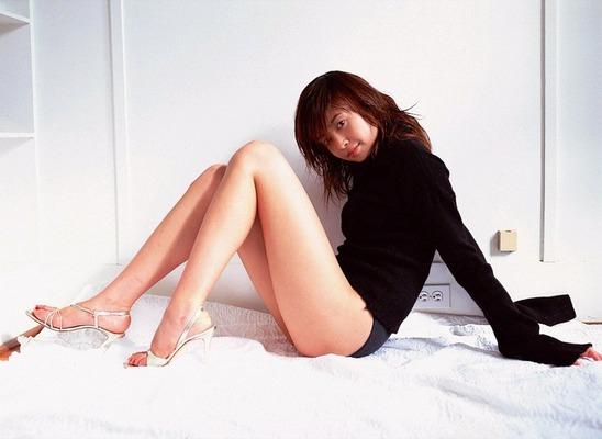 片瀬那奈のヌード (26)