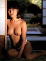 新田恵美ヌード (18)