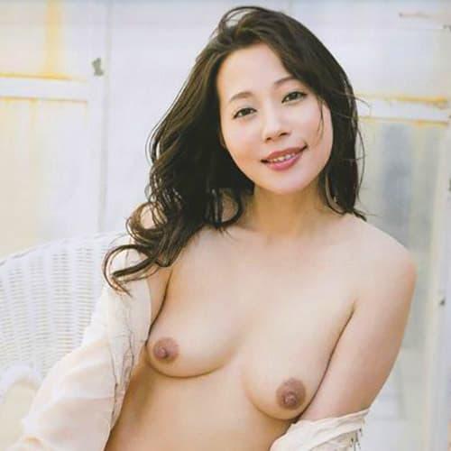 裸 福田 明日香