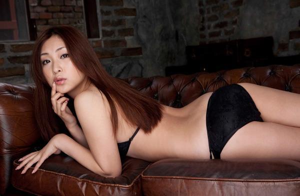 辰巳奈都子 (25)