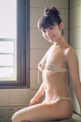 永井里菜のヌード (21)