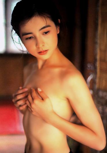 【岩間さおり】元セイントフォー女優のヌード画像 (1)