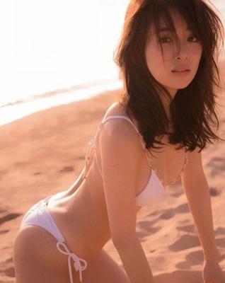 泉里香 ヌード (28)