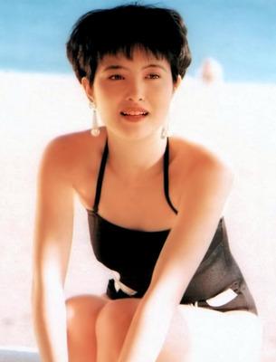 荻野目洋子 ヌード (7)