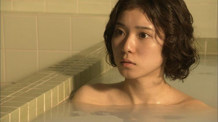 松岡茉優のヌード (10)
