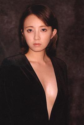 高橋由美子 ヌード (2)