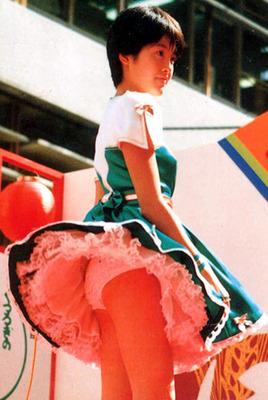 荻野目洋子 ヌード (29)