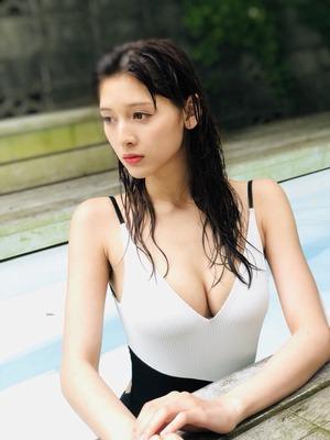 アンジェラ芽衣 ヌード (49)