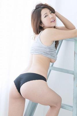 黒木桃子のヌード (13)