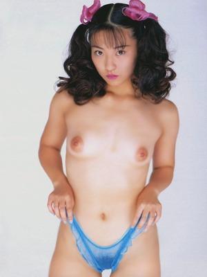 小室友里 (28)