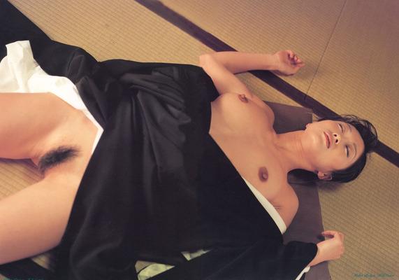 有賀美穂ヌード (49)