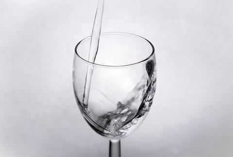 PAK25_glasswater_TP_V