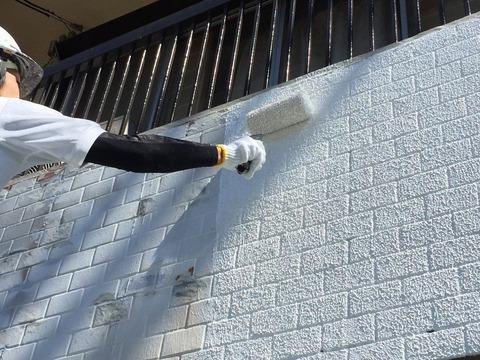 堺市横谷 微弾性フィラーマスチックローラー仕上げ