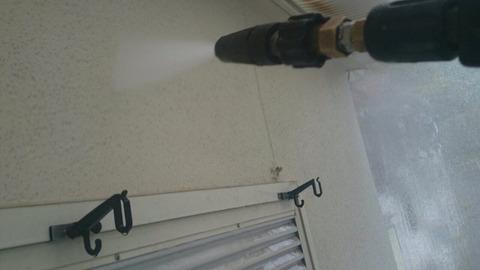 高圧洗浄水洗い壁
