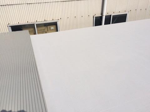 屋根水性塗膜防水ビックサンコート上塗
