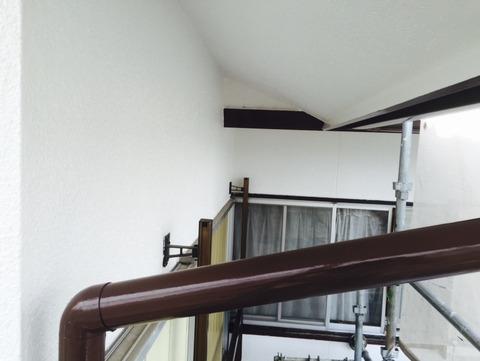樋、破風、板金部日本ペイント2液性シリコンフレッシュ施工中
