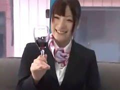 【マジックミラー号】ワインでベロベロに酔ったCAがマッサージ師とのSEXを承諾! 葉月可恋