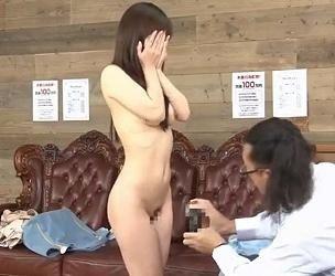 【風俗面接】面接の実技練習中に、本番禁止のはずが、ヌルっと挿入された人妻!