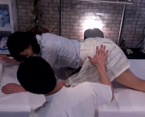 《寝取られ五十路》セレブ熟女が悪徳マッサージ師に性感帯を責められヘロヘロに逝かされる