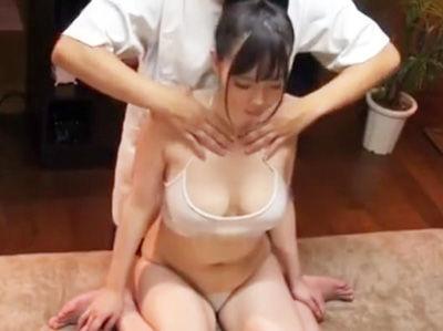 媚薬入りオイルマッサージで性感開発されて「もっとー!イイッ!」と言いながら、パコれちゃう巨乳女子大生が激エロ!