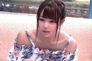 【マジックミラー号】鎖骨が美しいオフショルダー女子の巨乳をマッサージ!