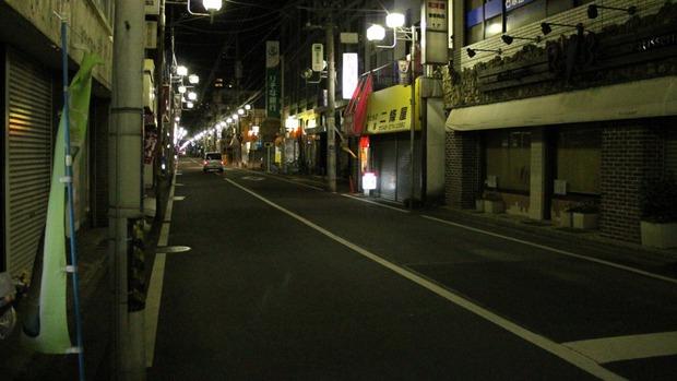 神奈川県鶴間駅前
