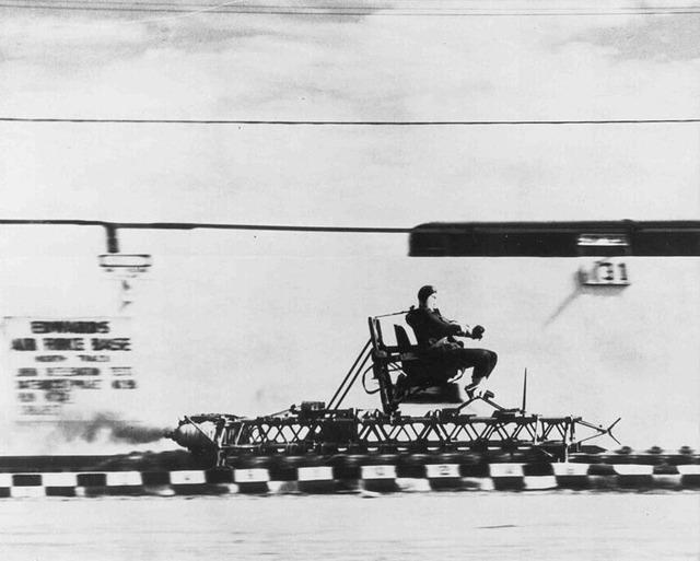 749px-Rocket_sled_track