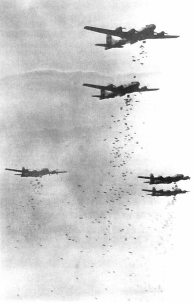 385px-B-29s_dropping_bombs