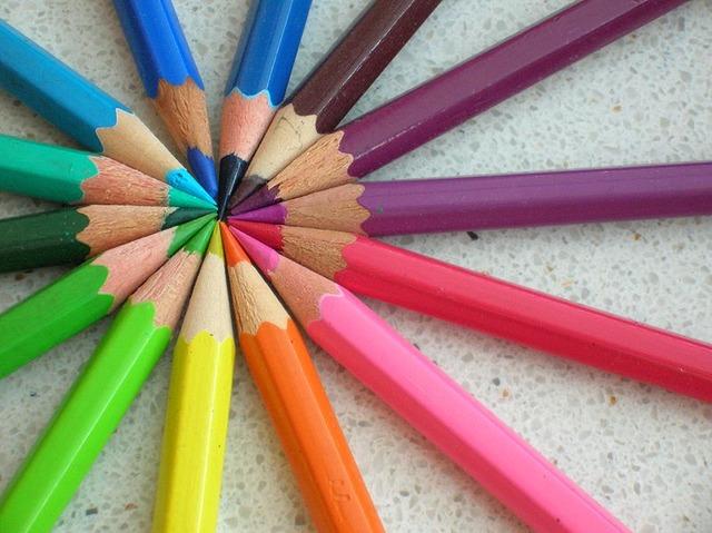 800px-Colored_pencils_chevre