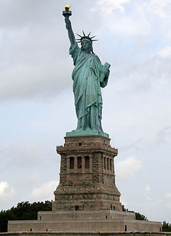 250px-Statue_of_Liberty_7