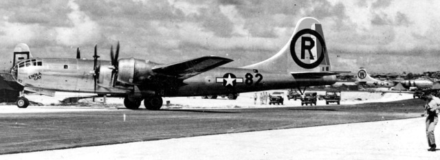 Silverplate_B-29_Enola_Gay
