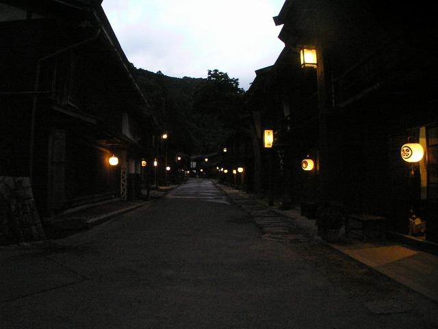 妻籠宿の夕暮れP8149391