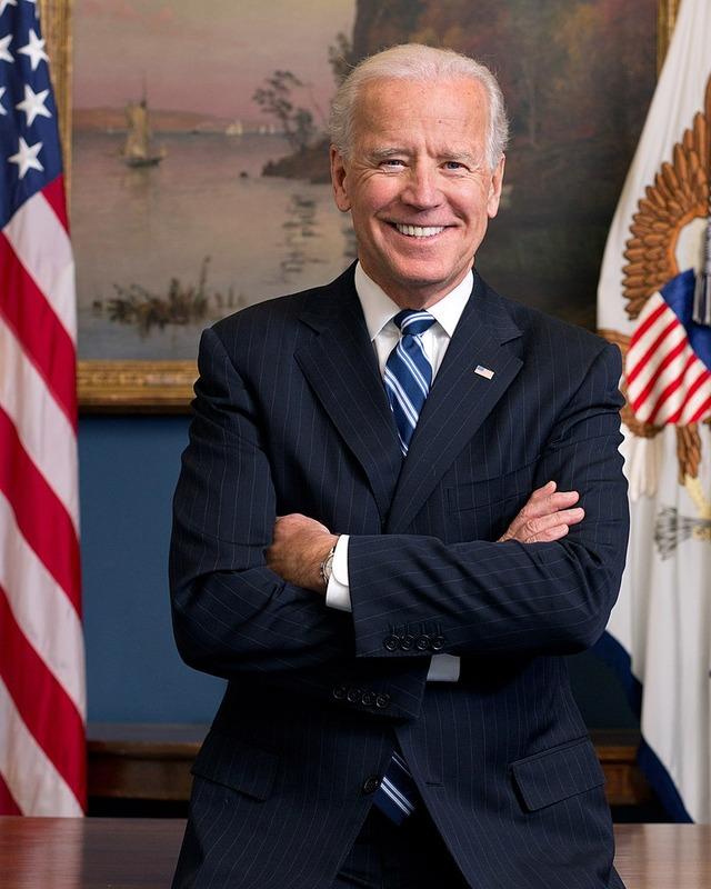 800px-Joe_Biden_official_portrait_2013