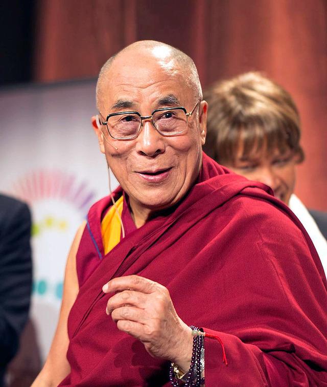 800px-Dalailama1_20121014_4639