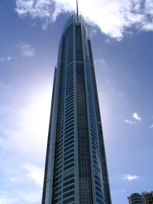 1200px-Q1_Gold_Coast_March_2006