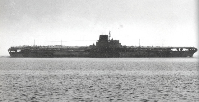 Japanese_aircraft_carrier_Shinano