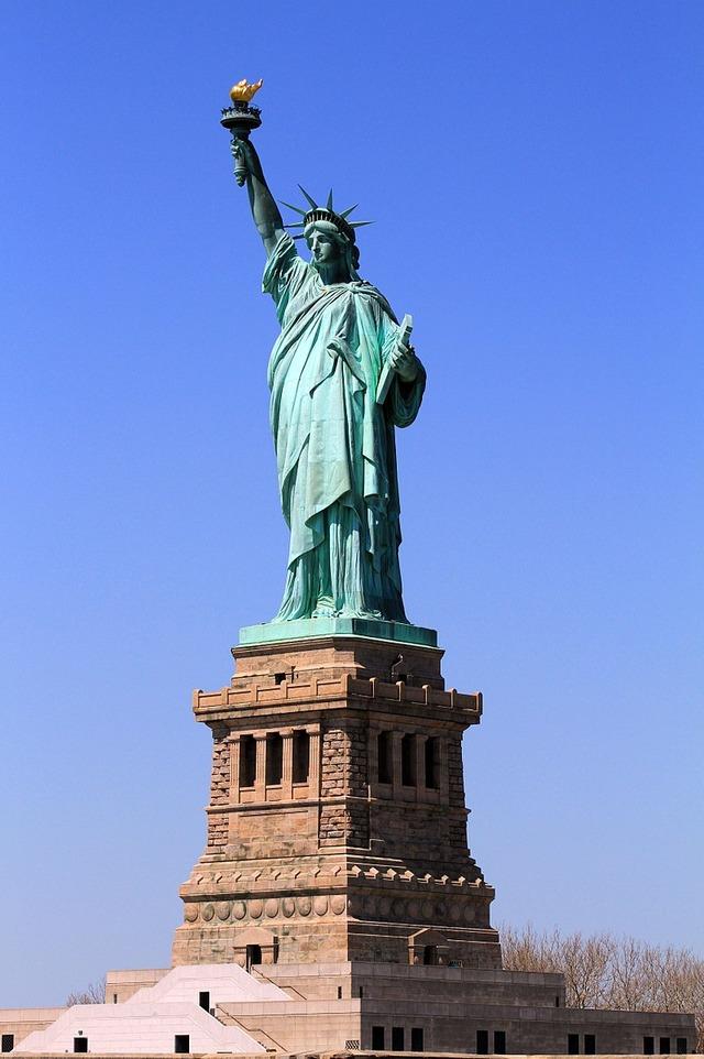 アメリカって全然自由の国じゃなくね?