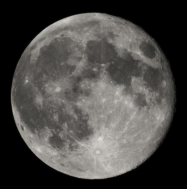 月って色々怖すぎないか?