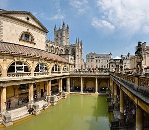 300px-Roman_Baths_in_Bath_Spa,_England_-_July_2006