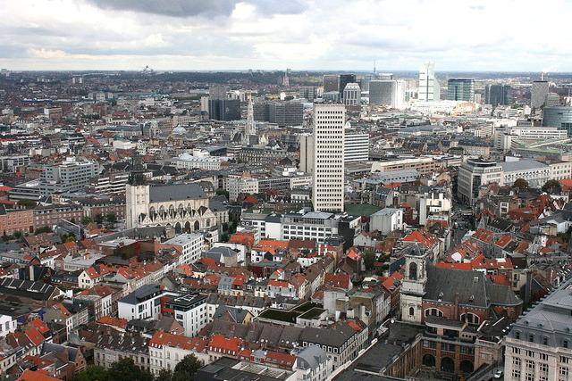 1024px-Brussels_skyline_1003